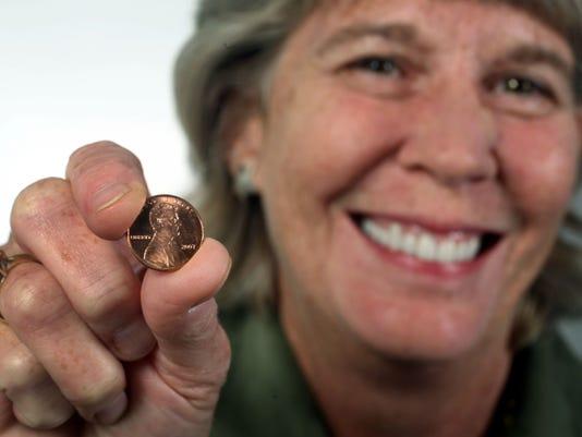-Mary with Pennies 3.jpg_20090930.jpg