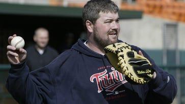 Former Clemson standout and Major Leaguer Matt LeCroy will speak at the Upstate Baseball /Softball Club on Monday.
