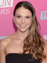Actress Sutton Foster will perform Saturday at the