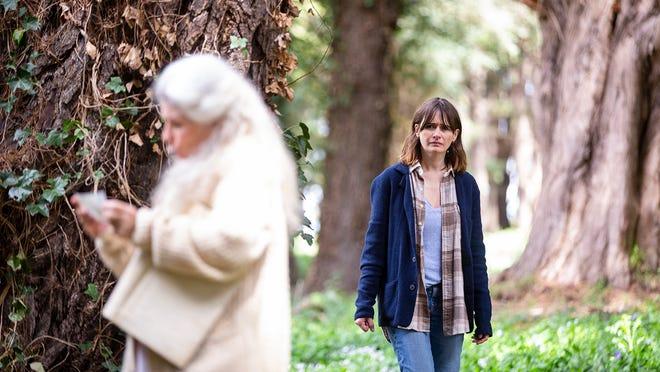Kay (Emily Mortimer) is concerned about her mom Edna's (Robyn Nevin) behavior.