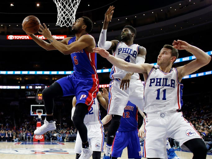 Detroit Pistons' Darrun Hilliard (6) goes up for a