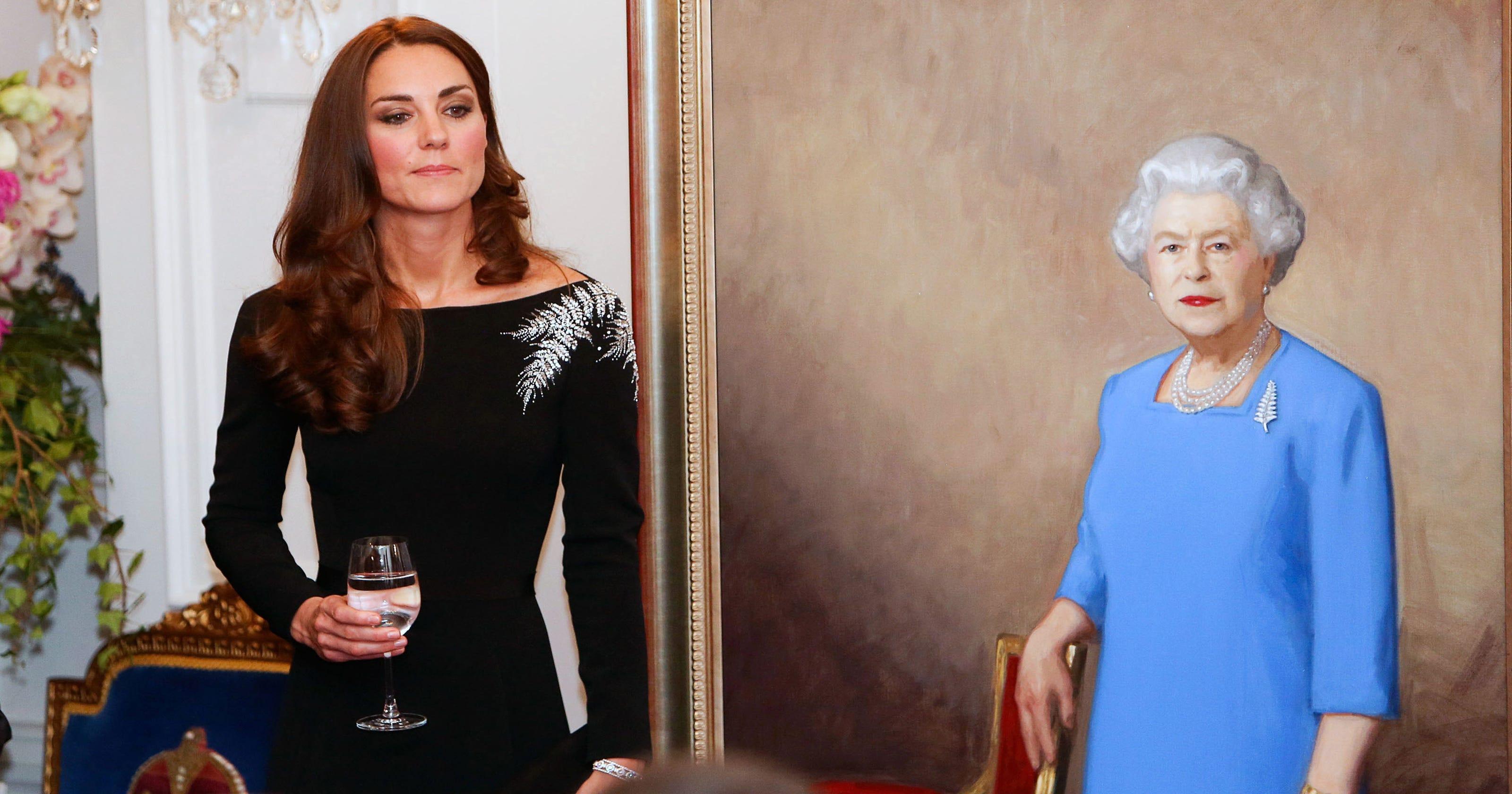 9f5b7bd2cfdb0 Duchess Kate dazzles Kiwis in Jenny Packham dress