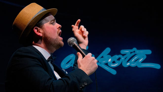 Andrew Walesch will perform his favorite Christmas songs in a Pioneer Place on Fifth show.