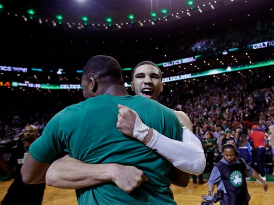 76ers_Celtics_Basketball_88960.jpg