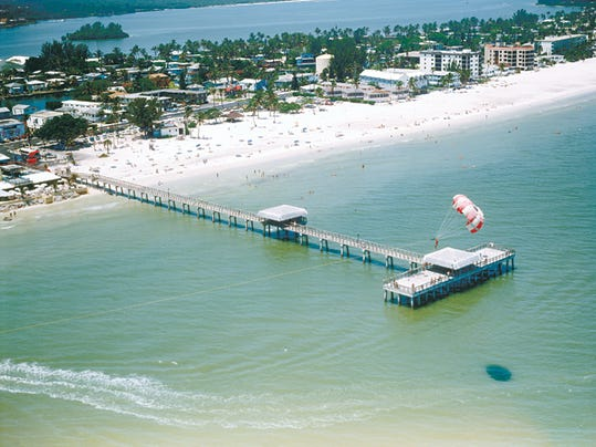 Lee county ranks high for beaches breaks and fido for Fort myers beach fishing pier