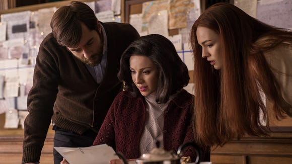 Rodger, Claire and Brianna look for clues as to where