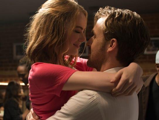 Mia (Emma Stone) and Sebastian (Ryan Gosling) fall