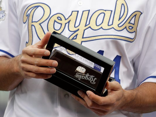 Royals get World Series rings, then shut out by Mets