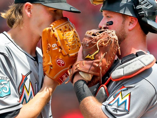 Marlins_Cardinals_Baseball_11990.jpg
