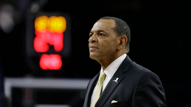 Lionel Hollins, who still lives in Memphis, is starring in a national TV commercial.