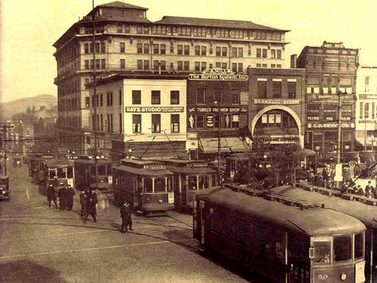Streetcars-and-Langren-Asheville-c1920.jpg