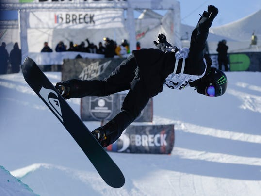 121413-shaun-white-superpipe