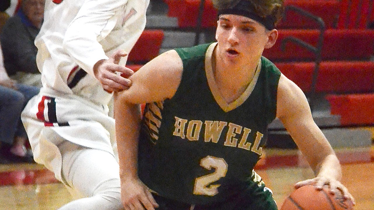 Highlights and interviews from Howell's 74-68 overtime victory at Linden in a boys' basketball season opener. Howell's Josh Palo (#2) had 33 points and Linden freshman Blake Lund (#12) had 24.