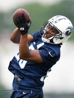 Titans cornerback Adoree' Jackson (25) pulls down a catch during rookie mini camp at St. Thomas Sports Park Friday, May 12, 2017, in Nashville, Tenn.