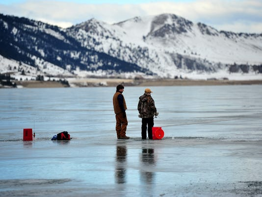 636463343754536728-ice-fishing.jpg