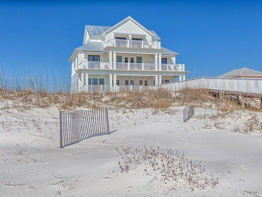 Alabama: This 10-bedroom house in Gulf Shores sleeps