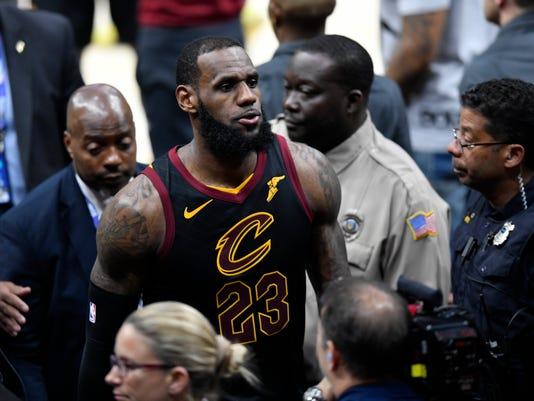 6a4372469 LeBron James  impact on Phoenix Suns  NBA championship hopes