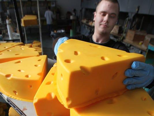 MJS_Cheesehead_01_nws_wood_cheesehead.jpg