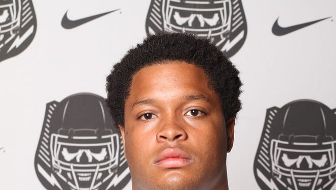 Briston Guidry committed to Mississippi State on Wednesday morning. The defensive lineman is the second commit in the Bulldogs 2016 class.