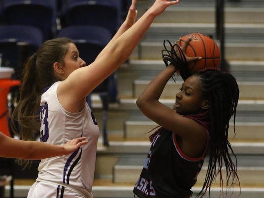 Wylie pulls away from Hirschi (10)