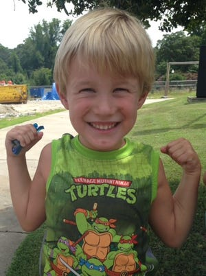 Lewis Roberts was kicked out of a restaurant because they said his sleeveless Teenage Mutant Ninja Turtles shirt violated dress code.