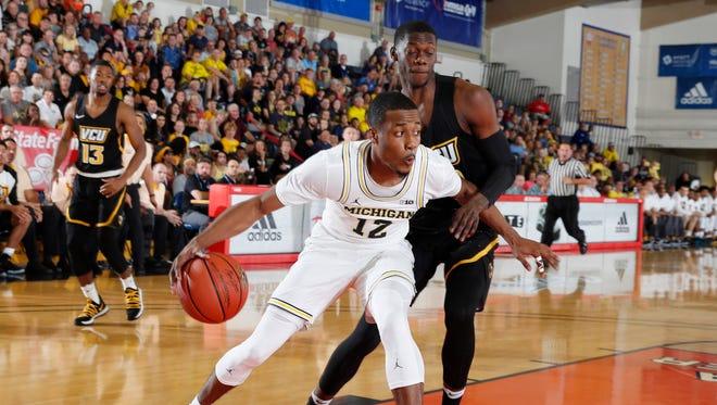 Nov. 22, 2017 – U-M vs. VCU: Muhammad-Ali Abdur-Rahkman drives to the basket in Michigan's 68-60 win in the Maui Jim Maui Invitational in Lahaina, Hawaii.