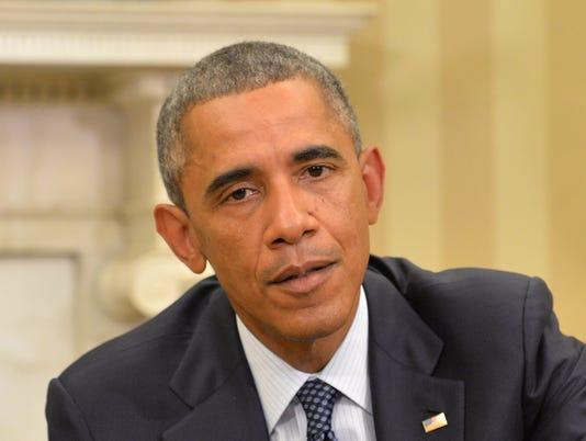 Obama holds Saturday night cabinet meeting on Ebola