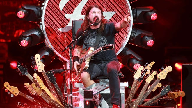 Dave Grohl performs with Foo Fighters Thursday night a Klipsch Music Center.