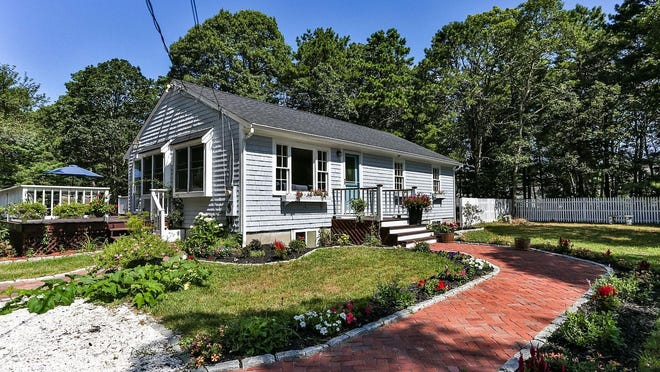 435 Old Mill Road, Osterville