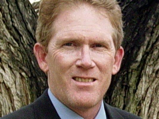 tom_hoefling_head_and_shoulders_crop_may_2012