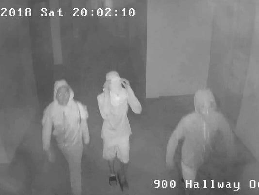 636534336397224713-Endeavour-Suspects-5.jpg
