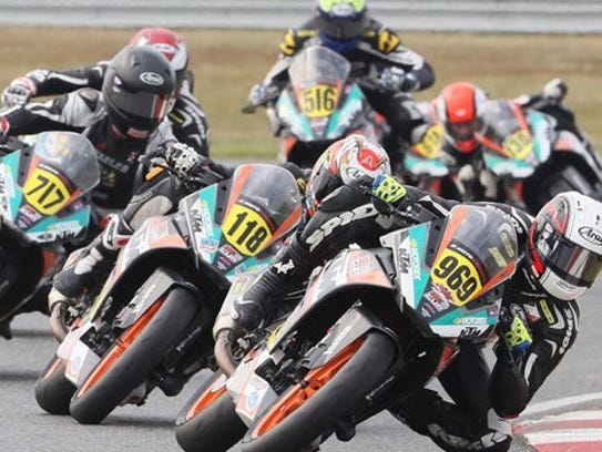 KTM RC Cup riders in action