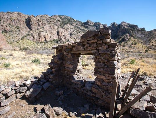 Soledad Canyon Rock House