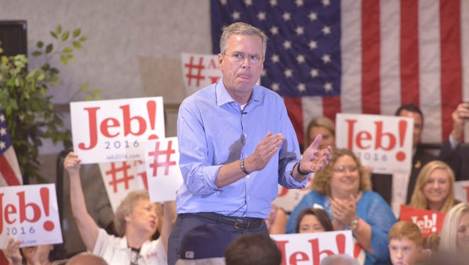 Jeb Bush speaks to a full room at the Pensacola Bay Center.