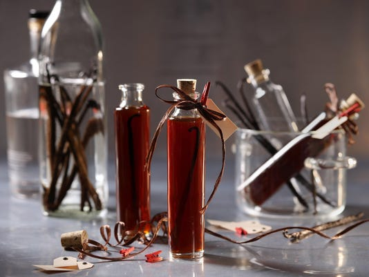 How to make vanilla extract at home