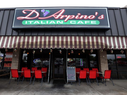 The Cheese Tortellini and Garlic Bread at D'Arpinos