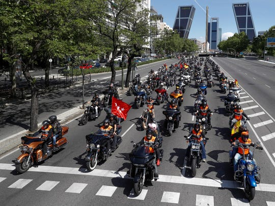 More than 1,500 Harley-Davidson riders take part in
