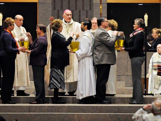 STC 0327 St. Mary Chirsm Mass 1.jpg