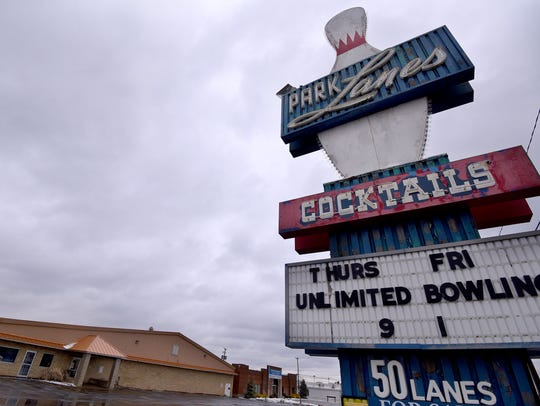 Park Lanes Bowling Alley on Park Avenue West is for