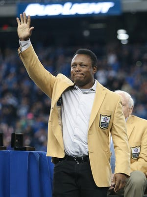 Detroit Lions Hall of Famer Barry Sanders received his Hall of Fame ring during half time of the Lions game against the Chicago Bears Sunday, October 18, 2015 at Ford Field in Detroit.