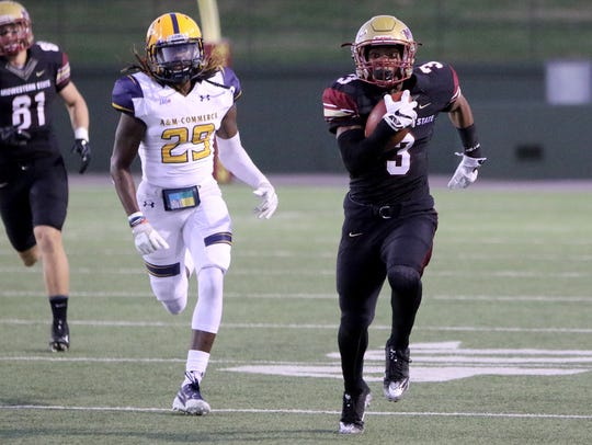 Midwestern State's Tyrique Edwards runs toward the