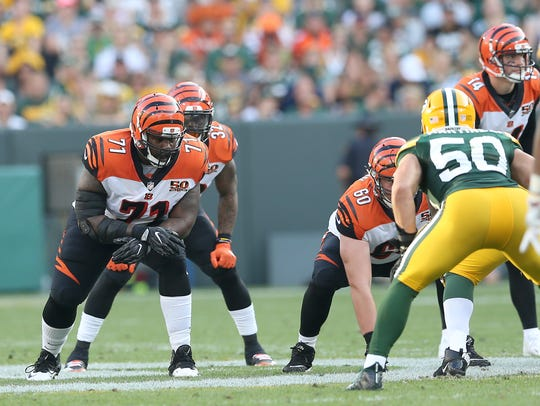 Cincinnati Bengals offensive tackle Andre Smith (71)
