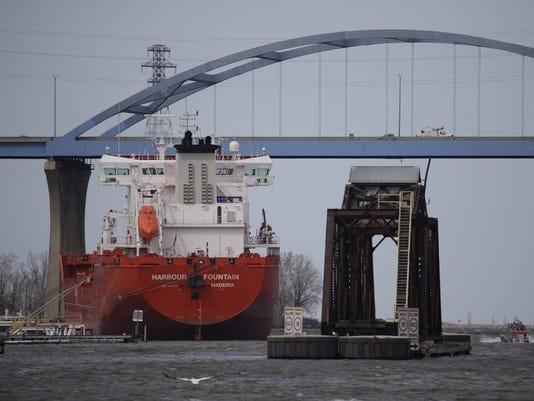 636029045991573256-A3-bridge-freighter-1-.jpg