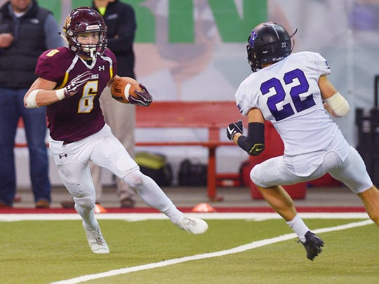 Madison's Jaxon Janke runs the ball down the field in the second quarter against Dakota Valley Saturday, Nov. 11, at the DakotaDome in Vermillion.
