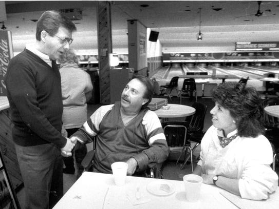 May 1989: Frank Formicola chats with his brother Michael