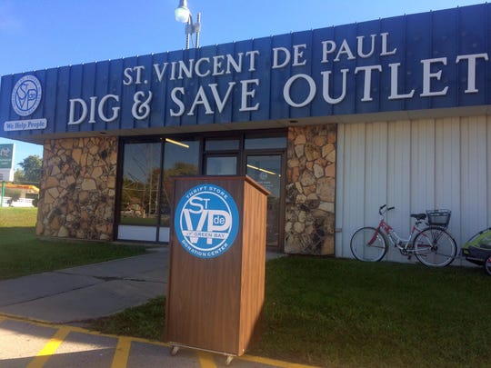 St. Vincent de Paul opened a Dig & Save outlet store off University Avenue on Green Bay's east side last weekend. The thrift store gives customers a unique experience of shopping by the pound.