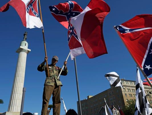 636313815574656788-AP-Confederate-Statues-New-O.jpg