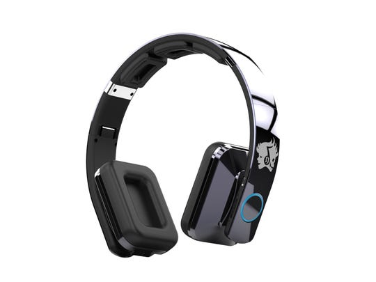 The BE501 8 Driver Bluetooth Headphones can be paired with two devices, allowing you to easily switch from listening to music on your phone to listening to music on your tablet.