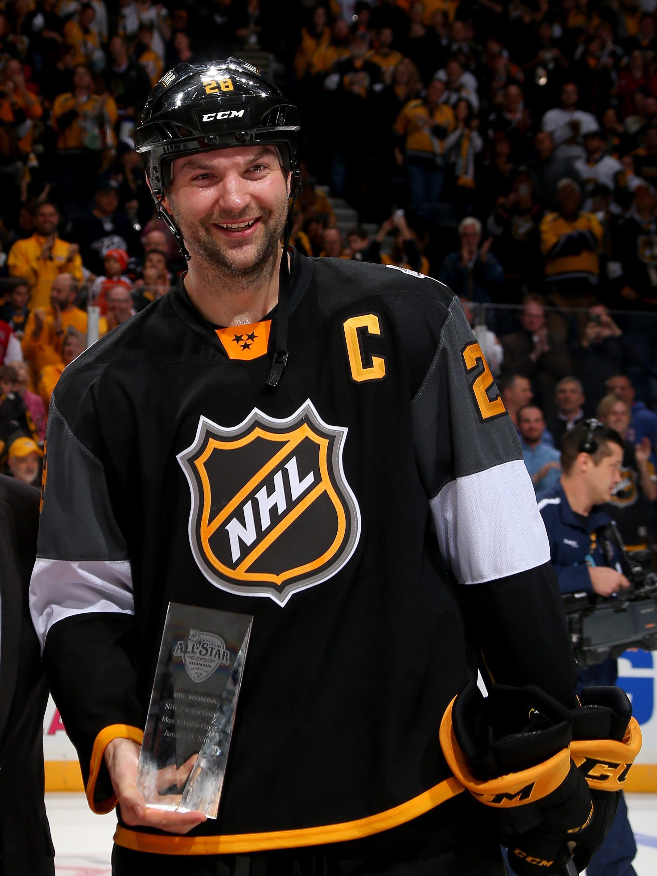 Albom to write script for movie about NHL's John Scott