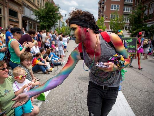 635695496301286594-Pridefest